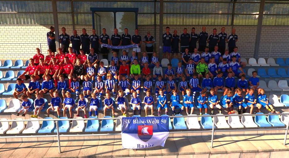 Gruppenbild Teams Blau-Weiß 50 Baabe