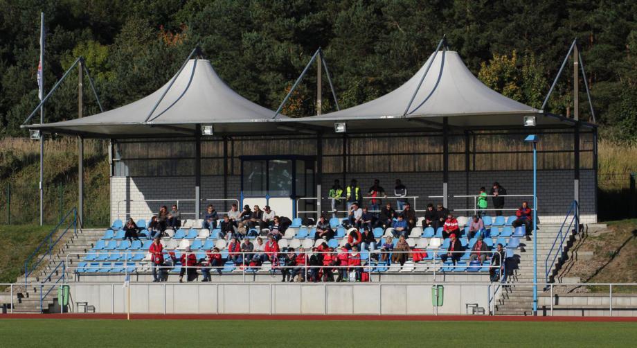 Tribüne SV Blau-Weiß 50 Baabe
